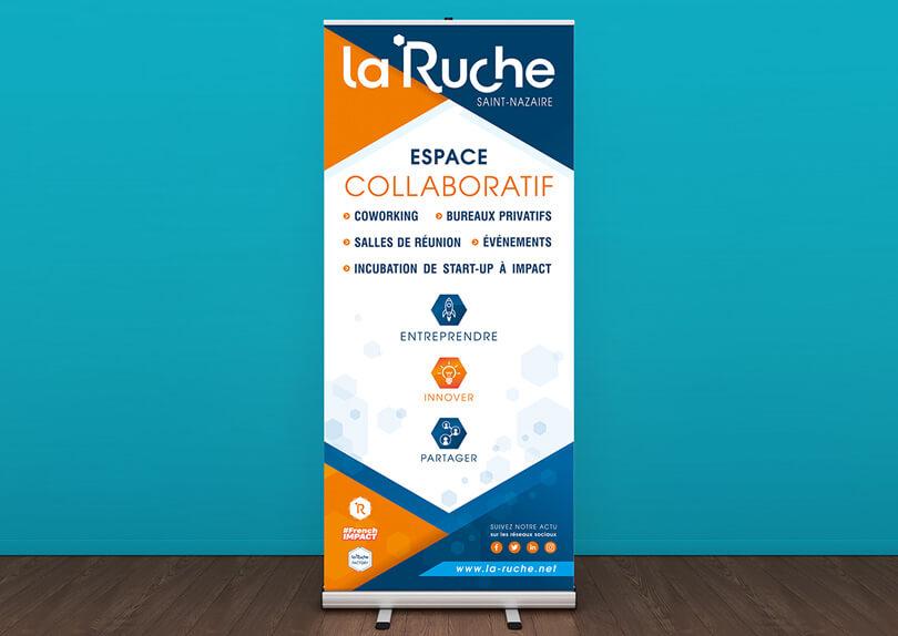 Création impression d'un roll-up (disroll) pour l'espace de coworking La Ruche à Saint-Nazaire