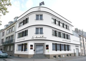 Modification façade pour création de la boutique La Chocolatterie © CIMAJINE Graphiste St-Nazaire
